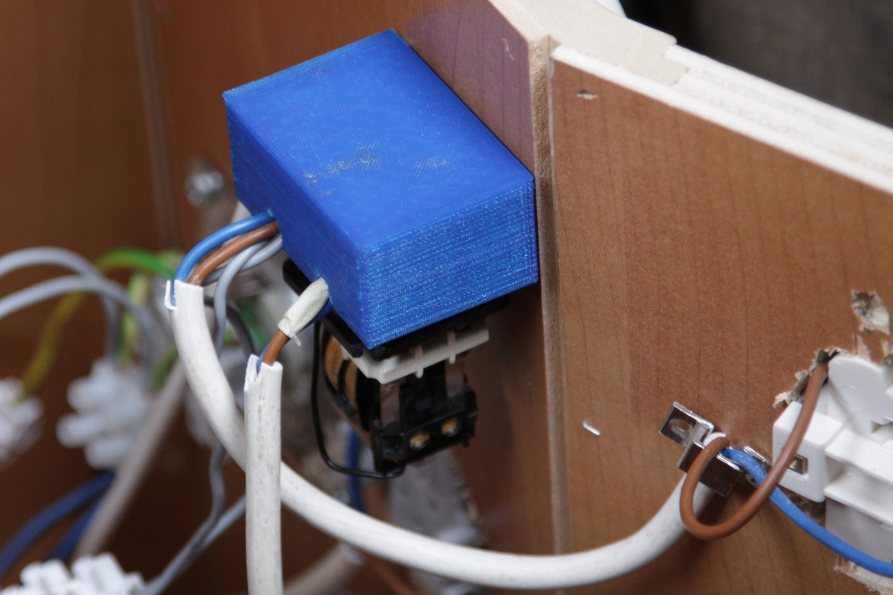 Copien Van Documenten 220 And 120 Volt Wiring Furthermore On Hard 12 Rv Pump Update An Additional Option Which Has Been Realized Is That The Power Supply Of Converter Connector Replaced Automatically By Wall Current As Soon